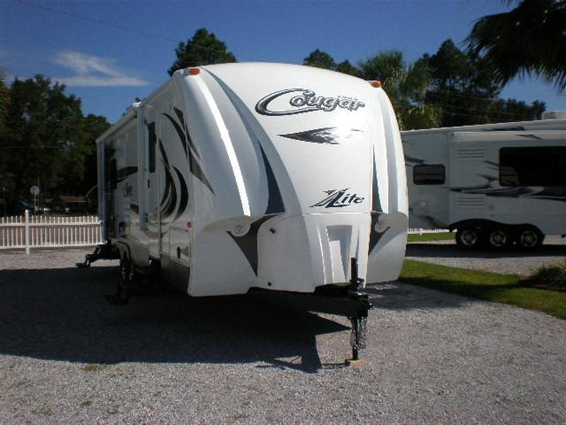 2013 Travel Trailer Keystone Cougar 24RLS