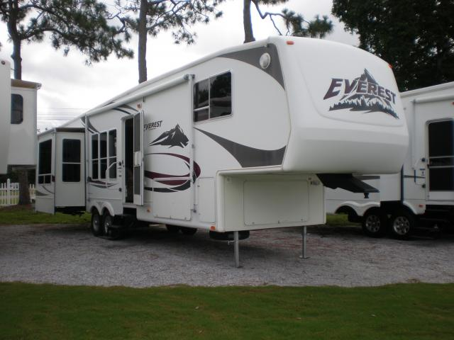 2006 Keystone Everest 366