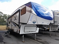 2019 Coachmen Chaparral Lite 295X