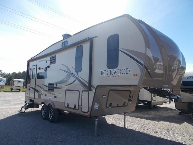 2018 Forest River Rockwood Ultra Lite 2440bs